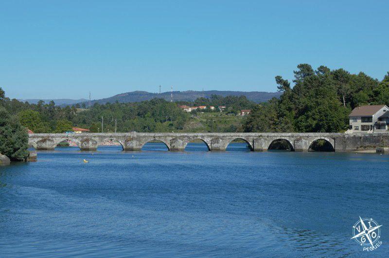 Puente de Pontesanpaio, vista desde la Isla de Medal