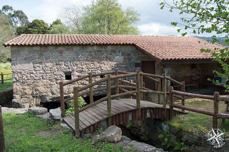 Primer molino que nos encontramos en la ruta de la piedra y el agua