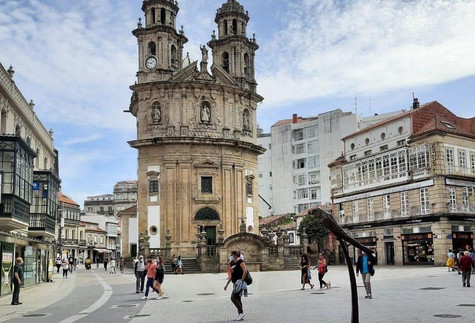 El Loro Ravachol vuelve a ser el protagonista del Carnaval de Pontevedra con un concurso infantil.