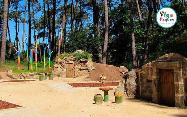 Puertas de las casas en la Aldea Grobit - Isla De La Toja