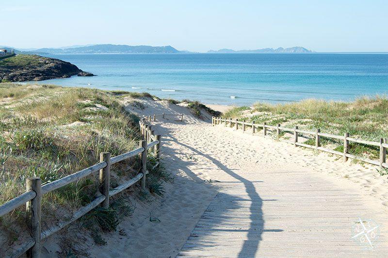 Bajada a la playa de Montalvo en Sanxenxo