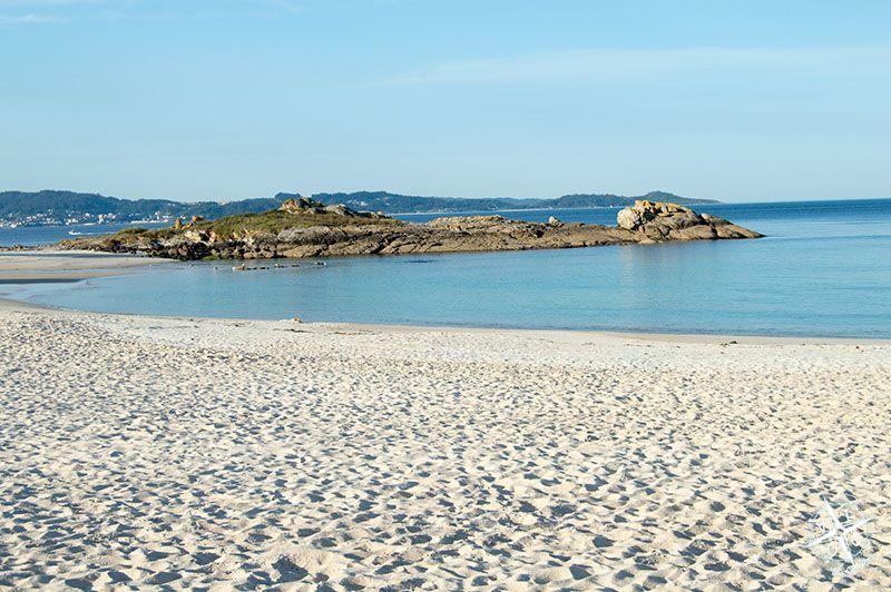Rocas en la playa de Areas de Sanxenxo