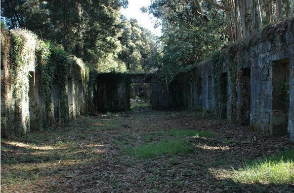 Ruinas del Lazareto en la Isla de tambo