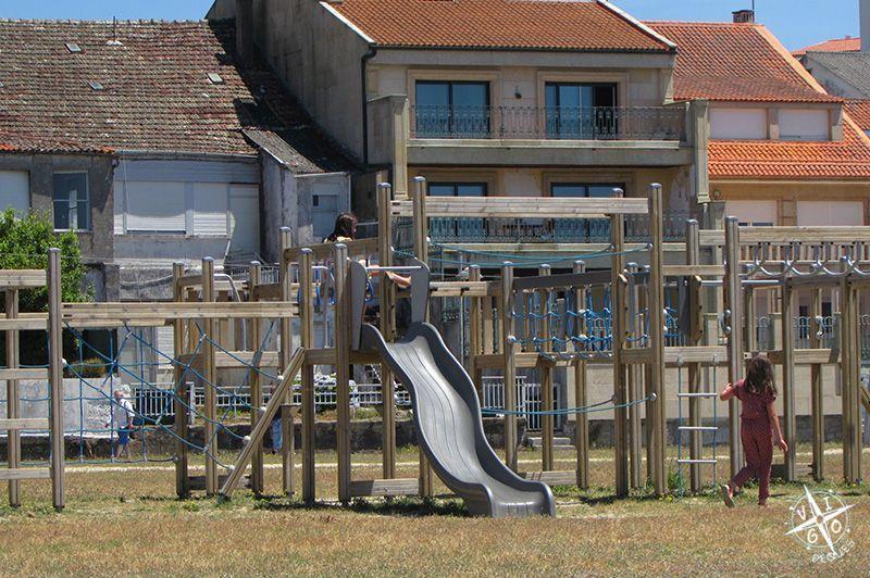 Zona infantil del parque de la playa A Concha en Vilagarcía