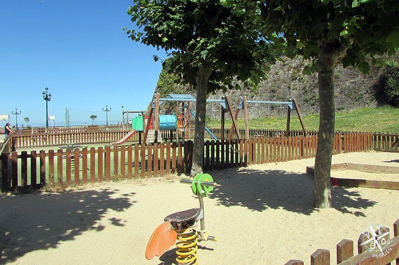 Los niños se lo pasan genial en el parque de La Palma de Baiona