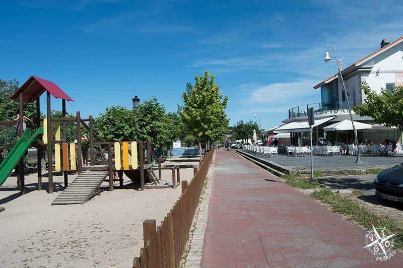Parque infantil de A Ramallosa y carril bici de Nigrán