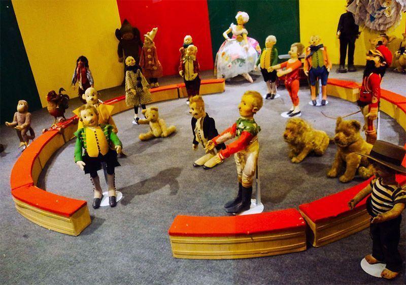 10 museos de juguetes para visitar en famillia vigopeques - La casa lis de salamanca ...