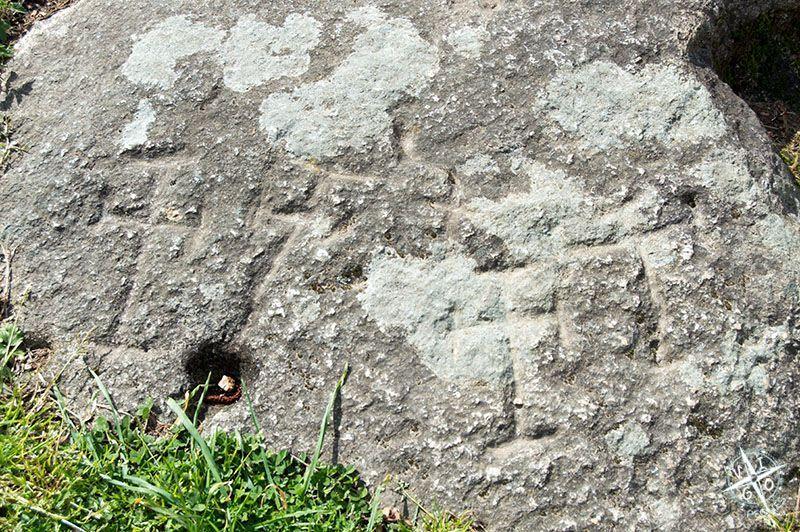 Petroglifos en la ruta de la piedra y el agua