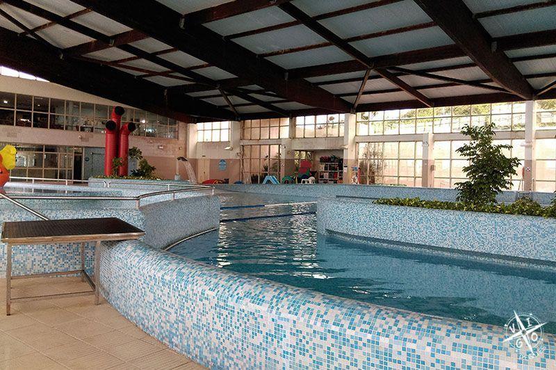 Piscinas de interior cheap piscinas de interior with for Piscina interior