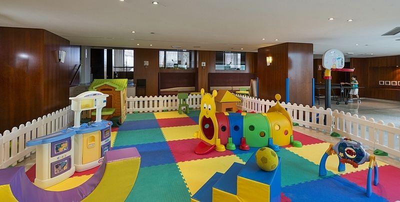 Sala de juegos infantil en el Balneario Isla de la Toja