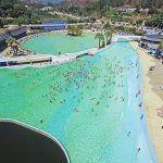 Playa-piscina das Rocas: olas a 80 km. del mar