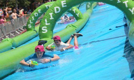 Fiesta del agua en Vigo: 3 toboganes acuáticos.