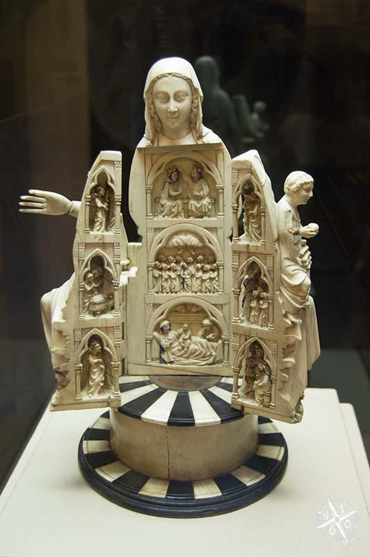 Abrideira de la capilla Real de Doña Violante