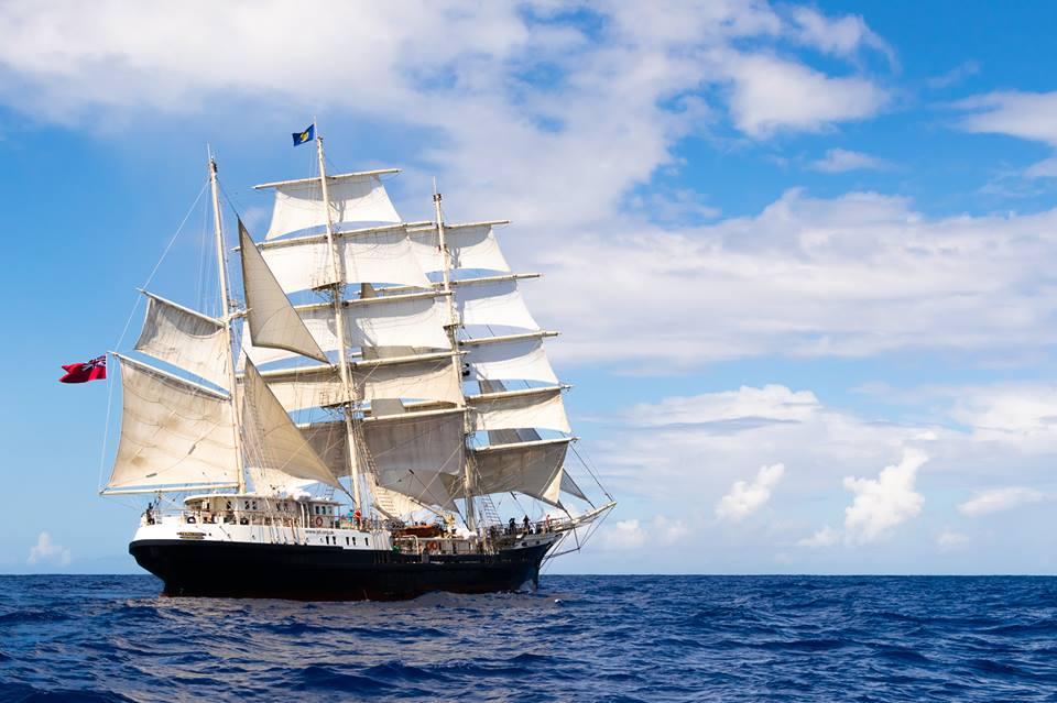 El velero inclusivo Tenacious en Vigo