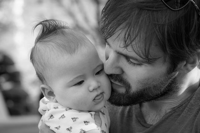 Se aplaza al 1 de abril la ampliación del permiso de paternidad