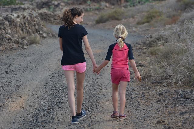 Rutas de senderismo en familia esta primavera