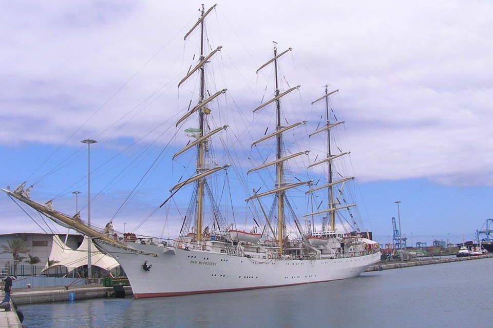 Jornada de puertas abiertas al buque escuela Dar Mlodziezy