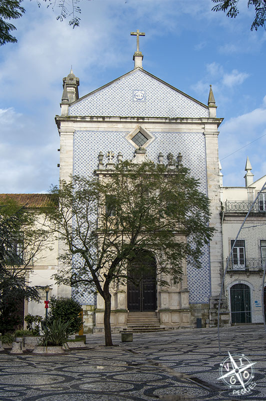 Iglesia en la plaza da República de Aveiro