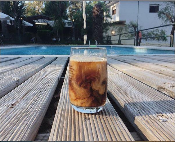 Café Madruga Bar inaugura su piscina