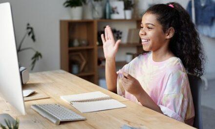 Familias gallegas se están uniendo para poder elegir curso presencial o virtual