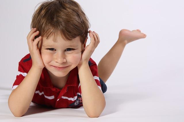 ¿Tu hijo no ve bien, muerde mal o tuerce los pies? La posturología te puede ayudar