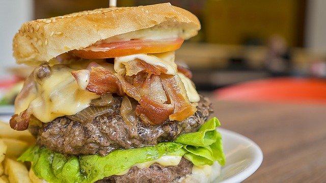Bocadillos y hamburguesas con recogida o envío a domicilio en Vigo