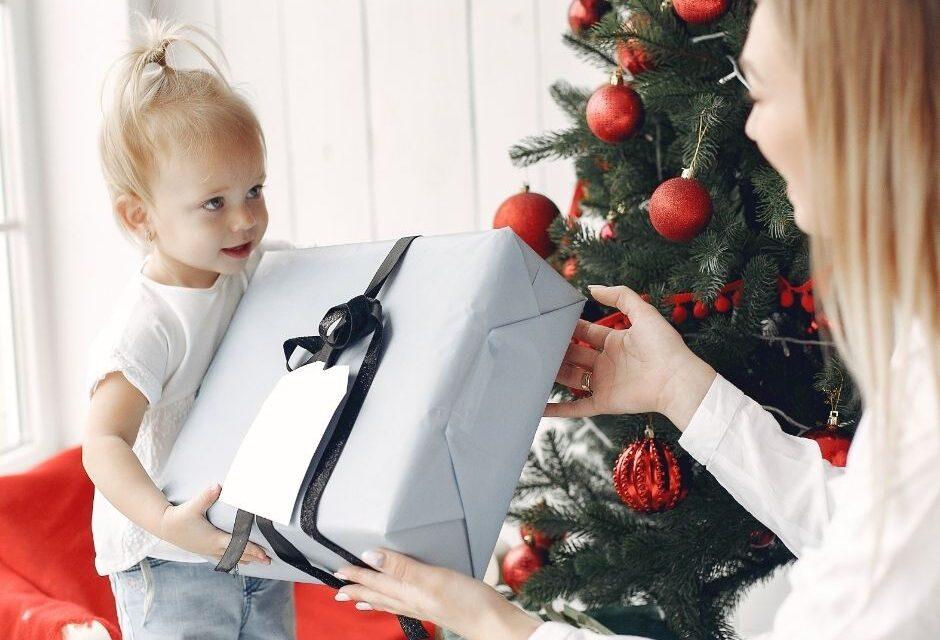 7 ideas de regalos de Navidad que triunfan a cualquier edad.
